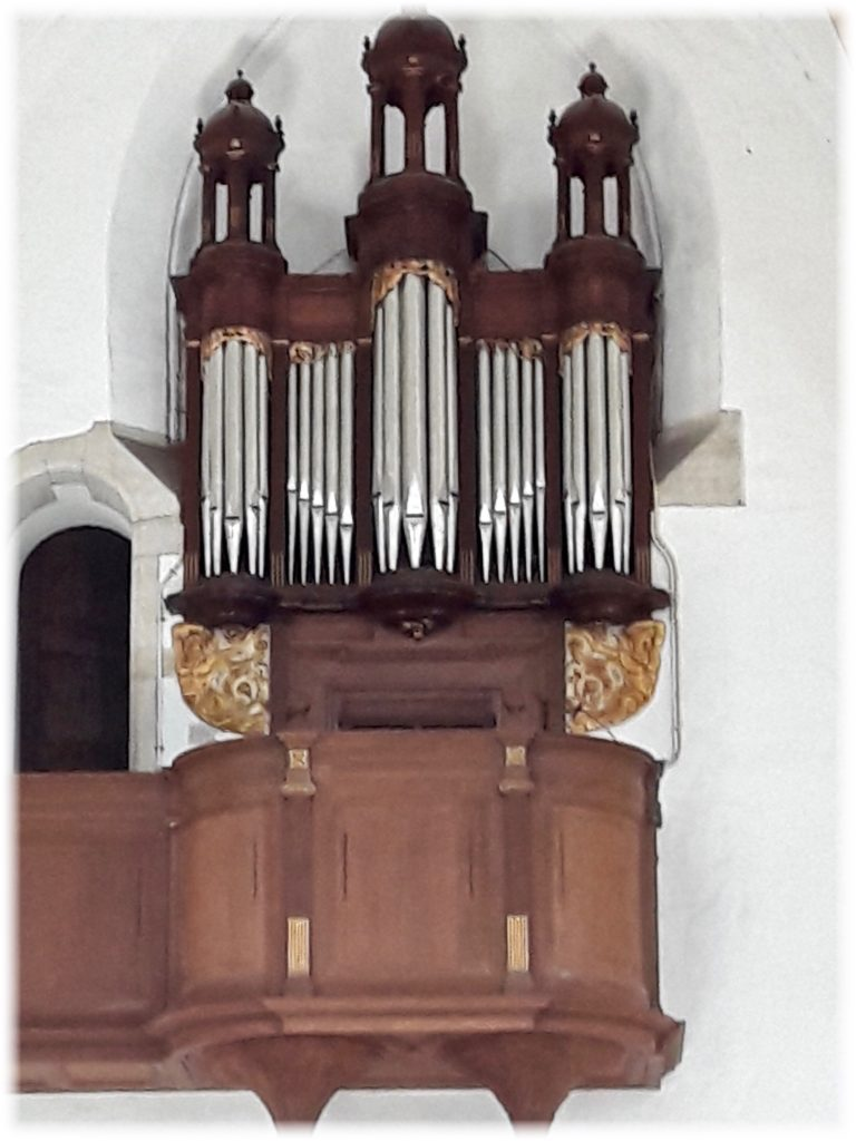 聖バフォ教会の小さなオルガン