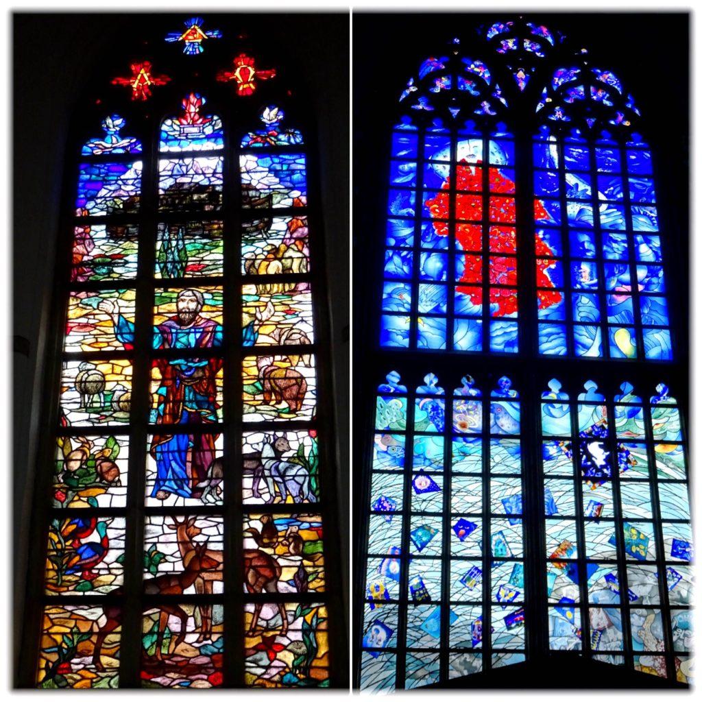 バフォ教会のステンドグラス