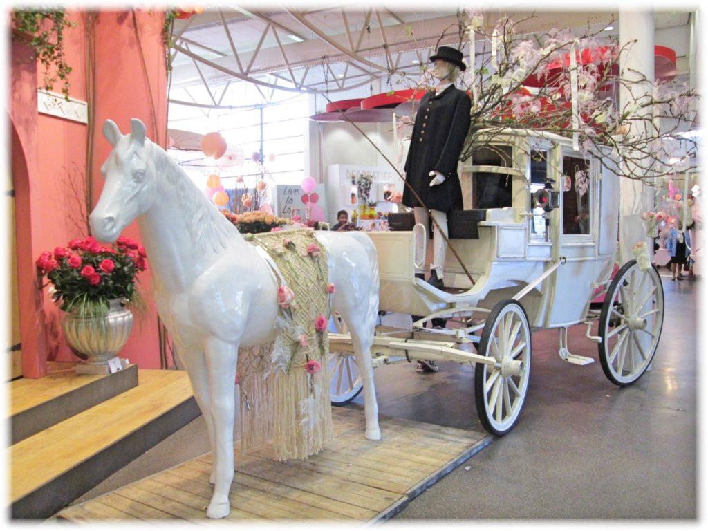キューケンホフ馬車の展示