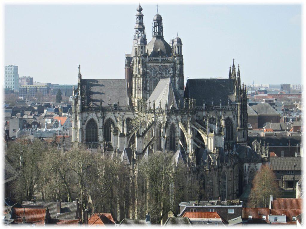 ヒエロニムス美術館展望台から教会の眺め