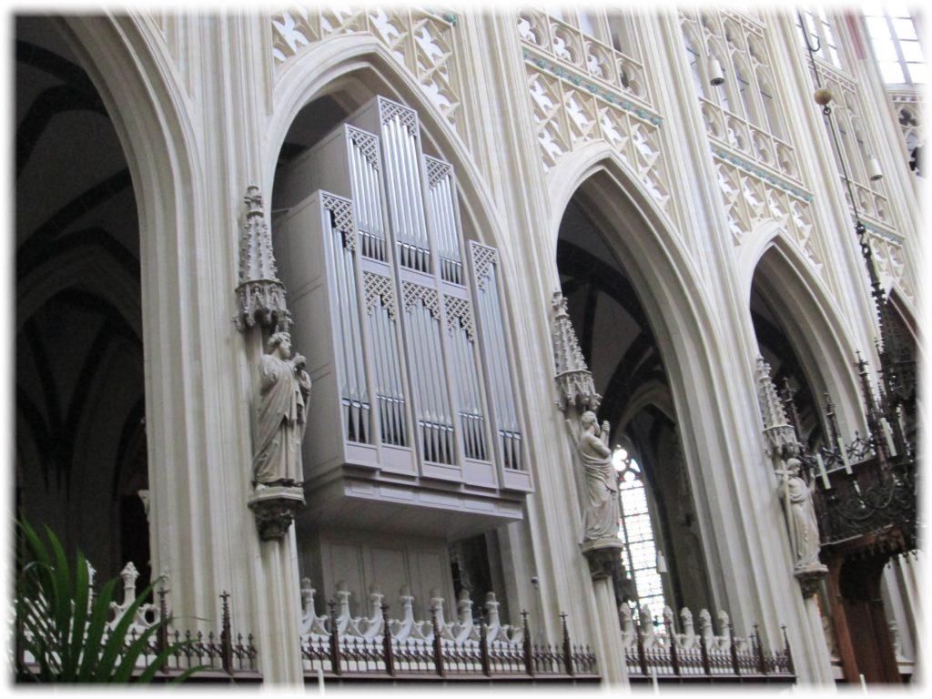 聖ヤン大聖堂のコールオルガン