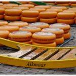 チーズの街アルクマールの必見スポット