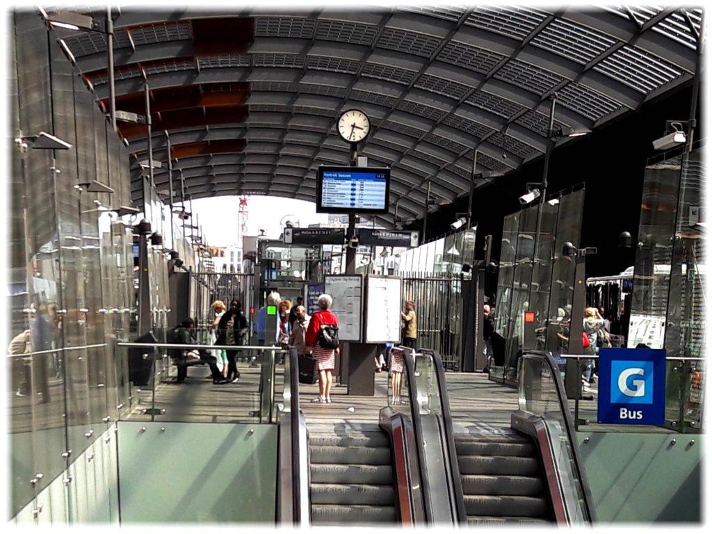 アムステルダムのバスターミナル
