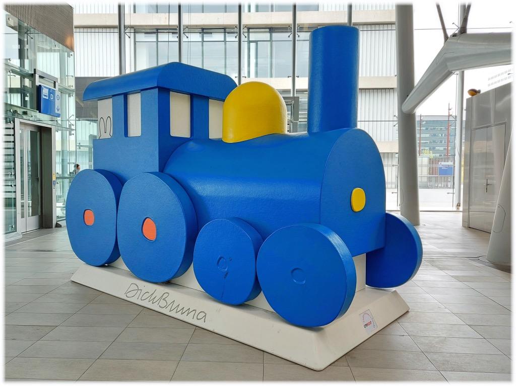 ミッフィーの青い蒸気機関車