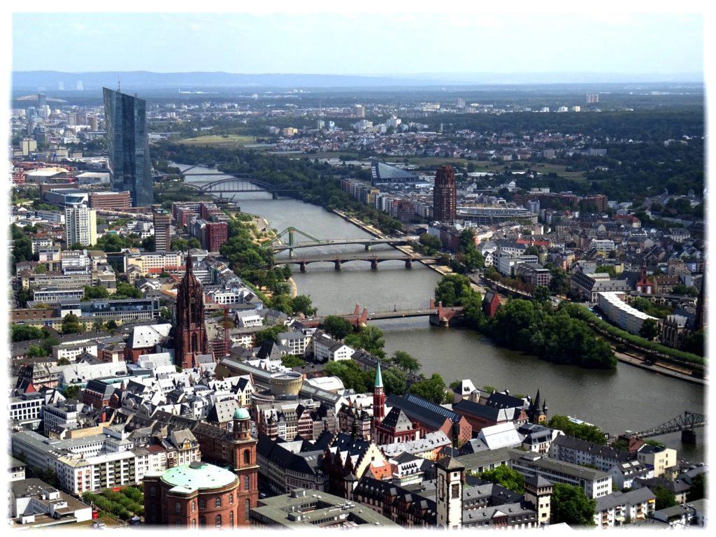 マインタワーからの旧市街地の眺め
