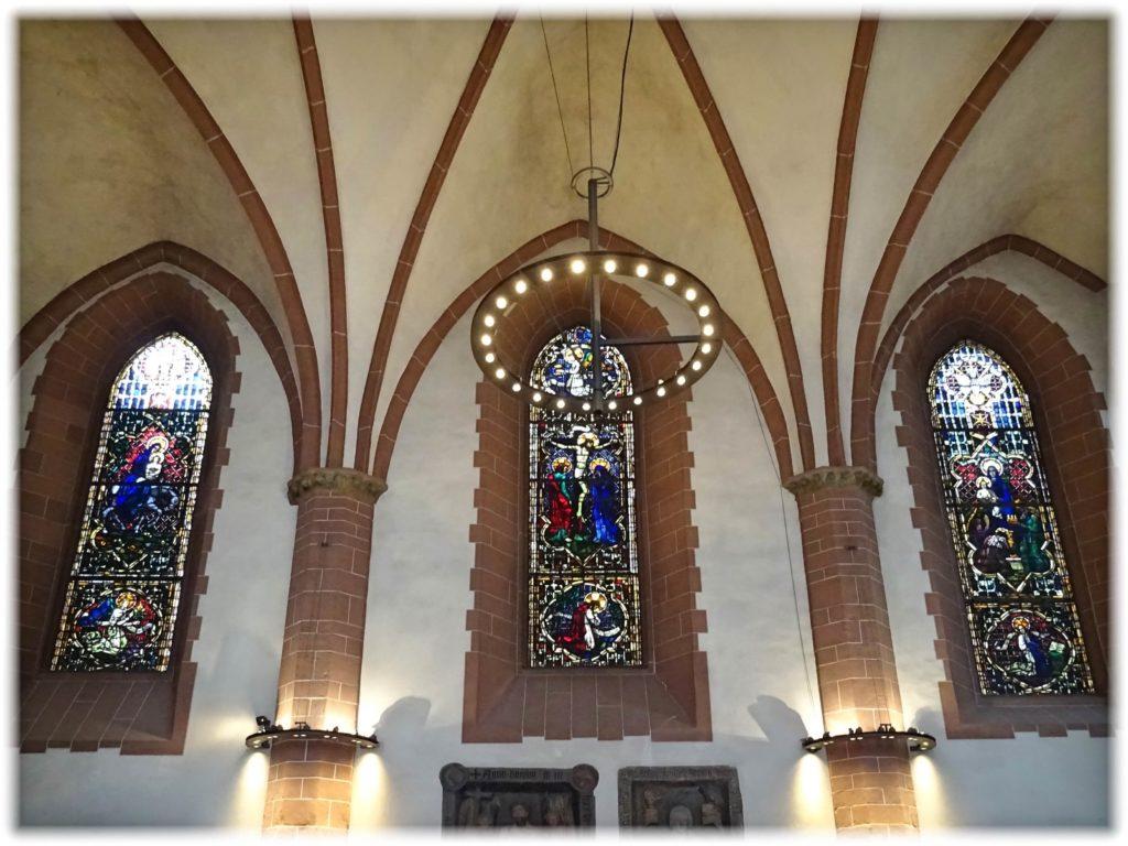 ニコライ教会のステンドグラス