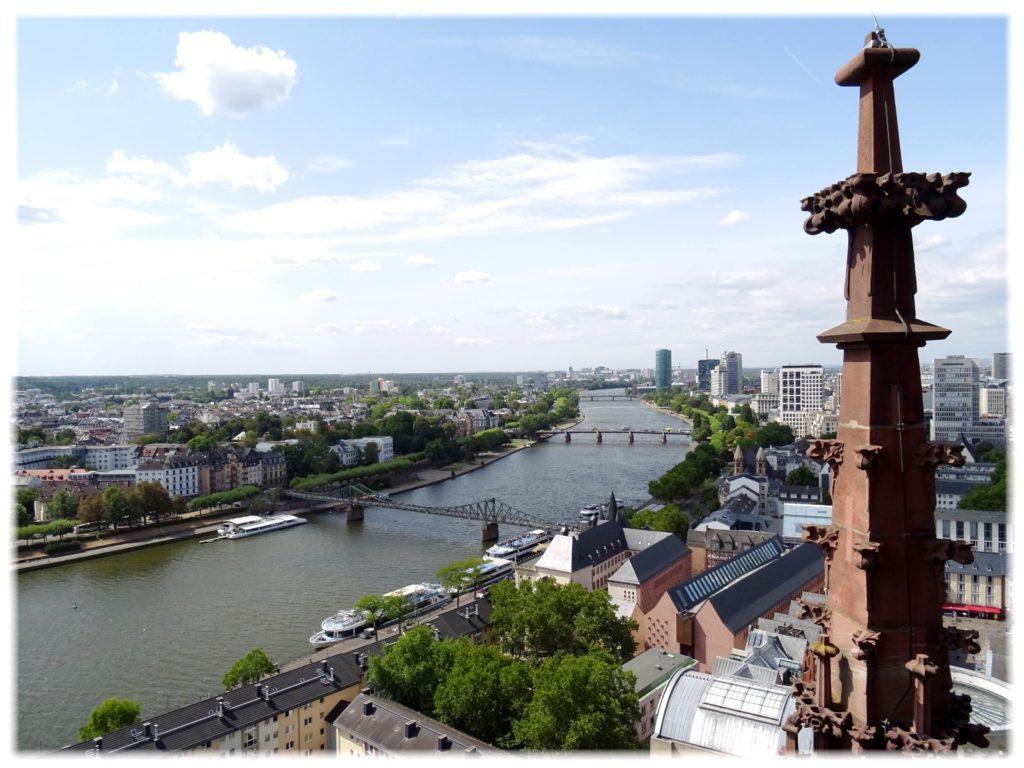 塔からマイン川の眺め
