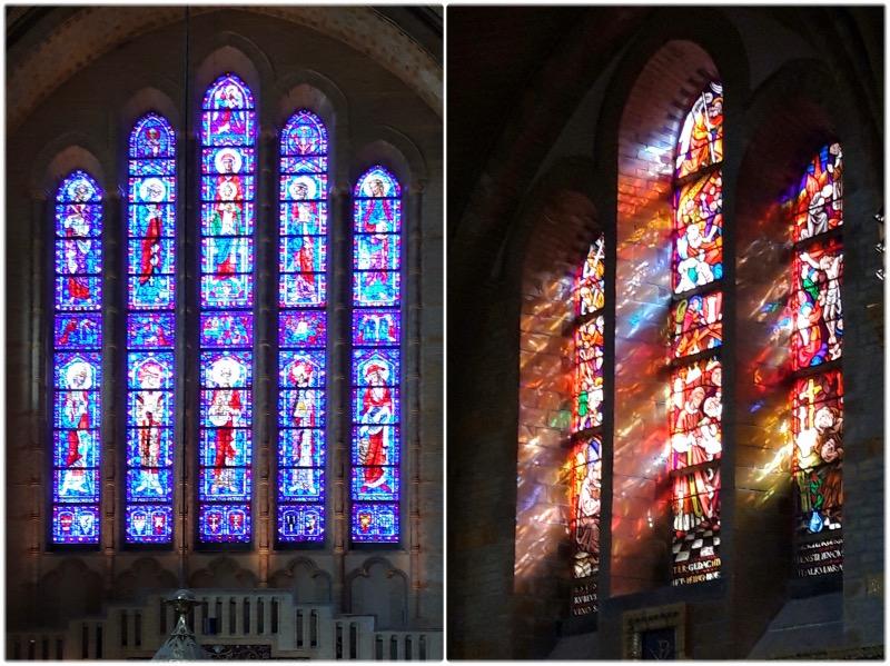バフォ大聖堂のステンドグラス