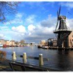 スパールネ川とアドリアーン風車