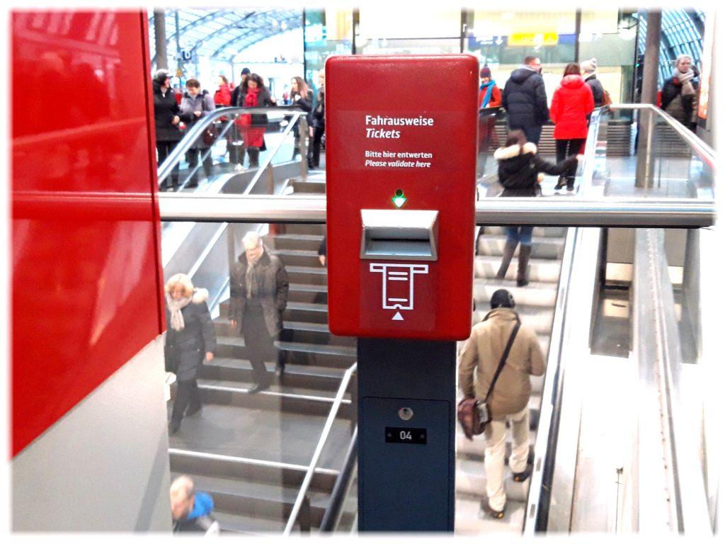 ベルリン乗車券の打刻機