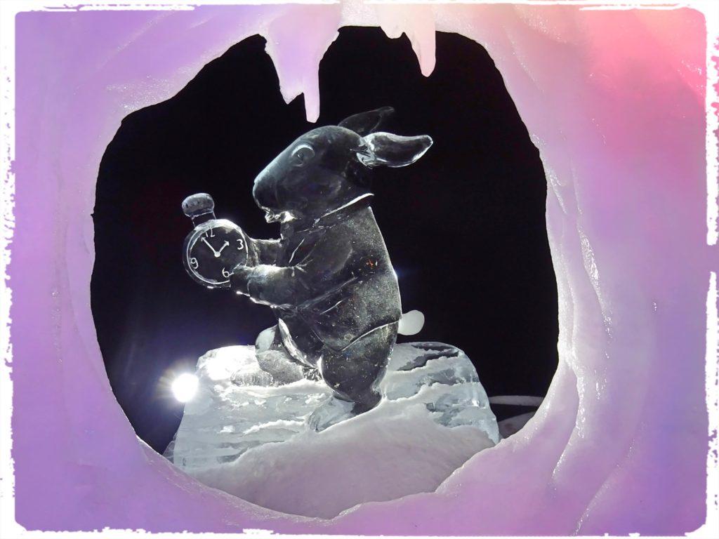 不思議な国のアリス氷の彫刻
