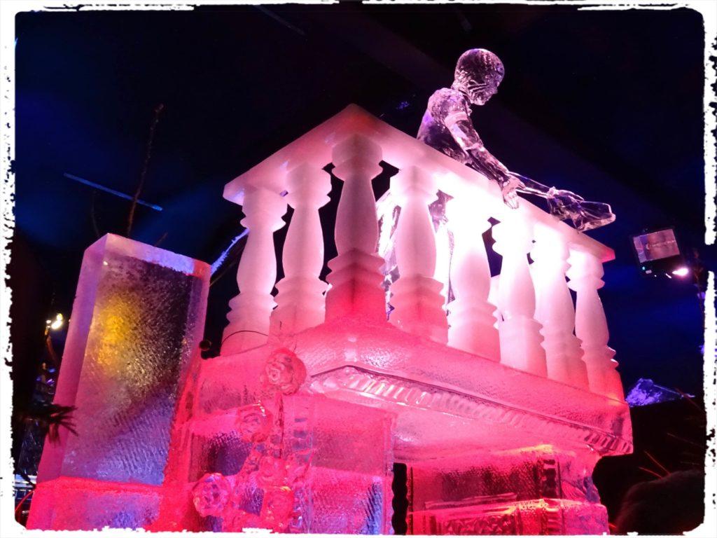 氷の彫刻フェスティバル、ジュリア