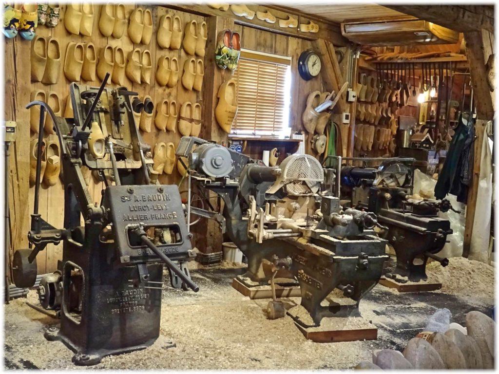 クロンペン工房の機械