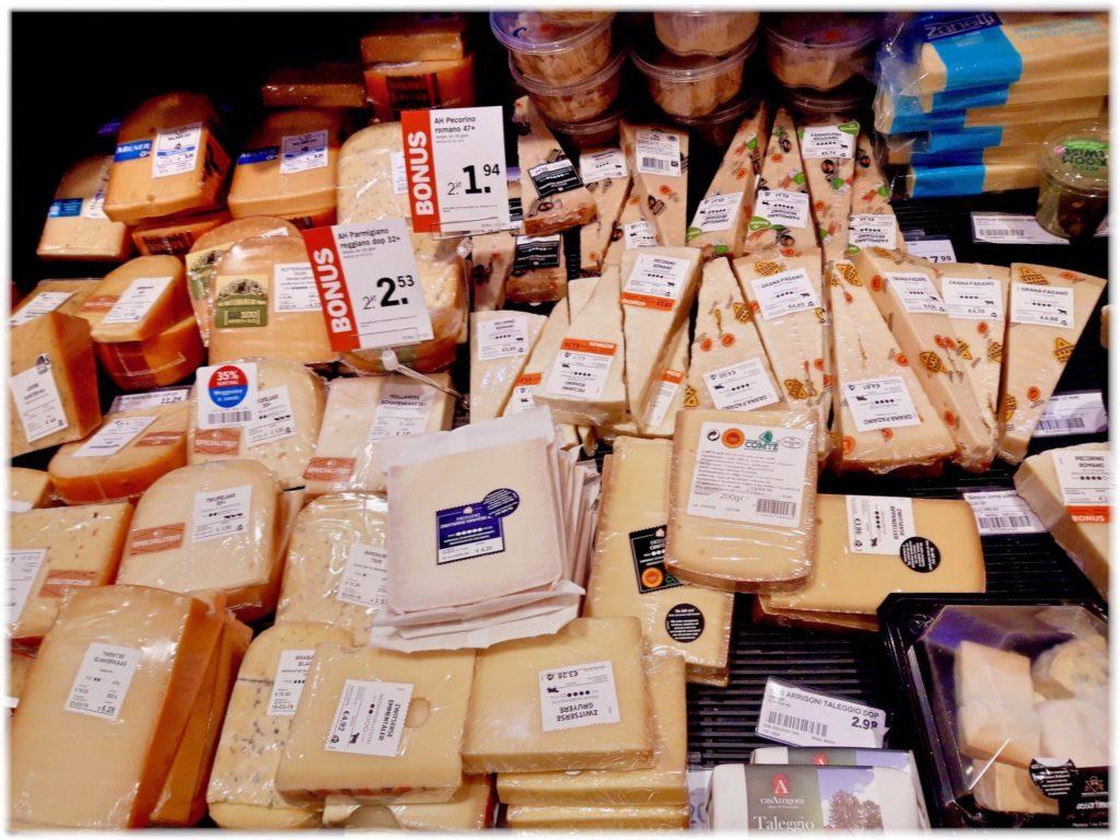スーパーマーケットのチーズ