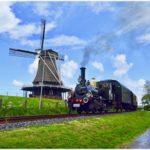蒸気機関車と風車