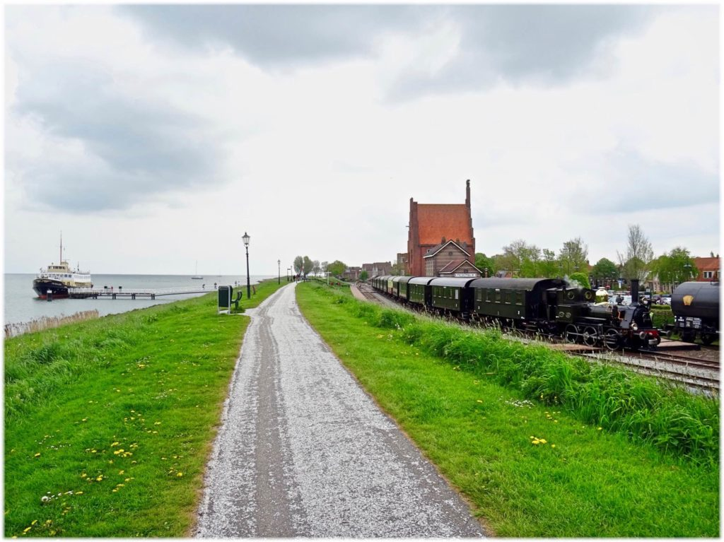 メデムブリッツの汽車とフェリーとのアクセス