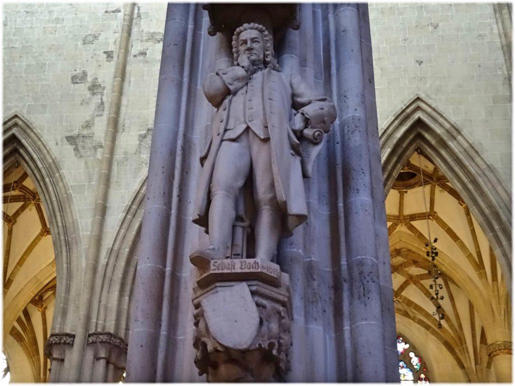 ウルム大聖堂にあるバッハの彫刻