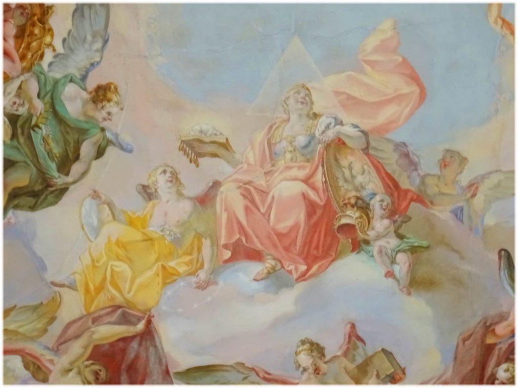 フレスコ画の女性と天使