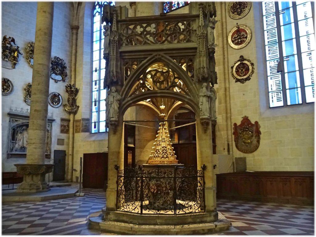 ウルム大聖堂のフォント