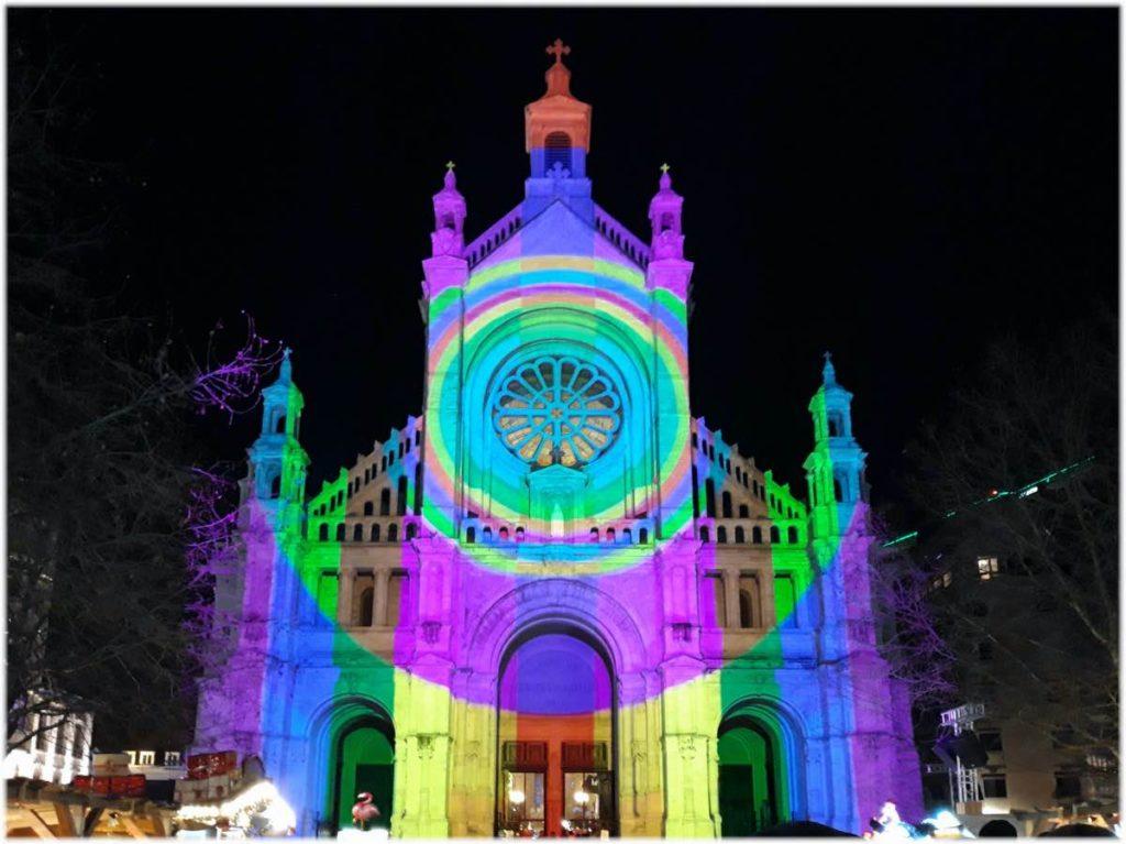 カトリーヌ教会のライトショー