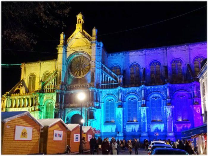 カトリーヌ教会の横側