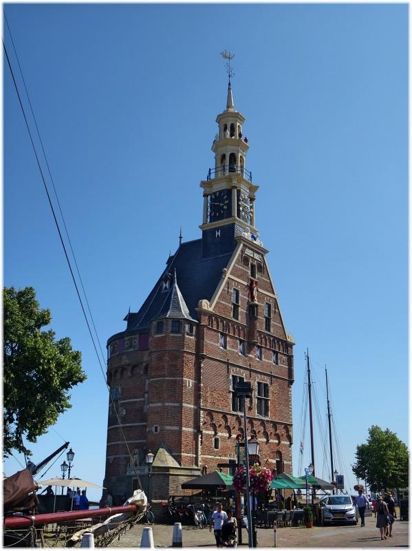 ホールン港のタワー