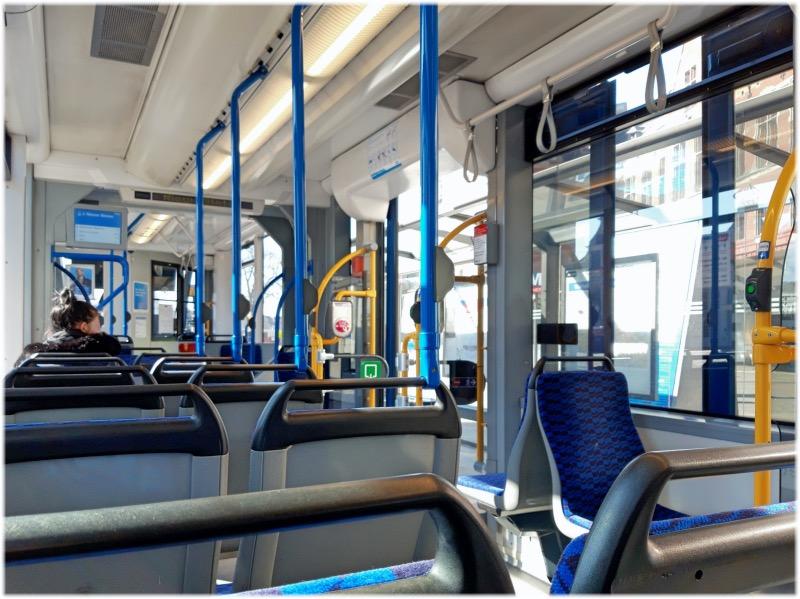アムステルダムのトラム車内