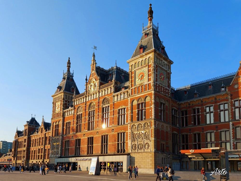 アムステルダム中央駅の眺め