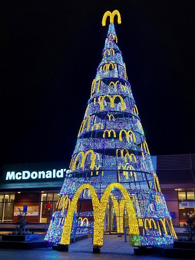 マクドナルドのクリスマスツリー