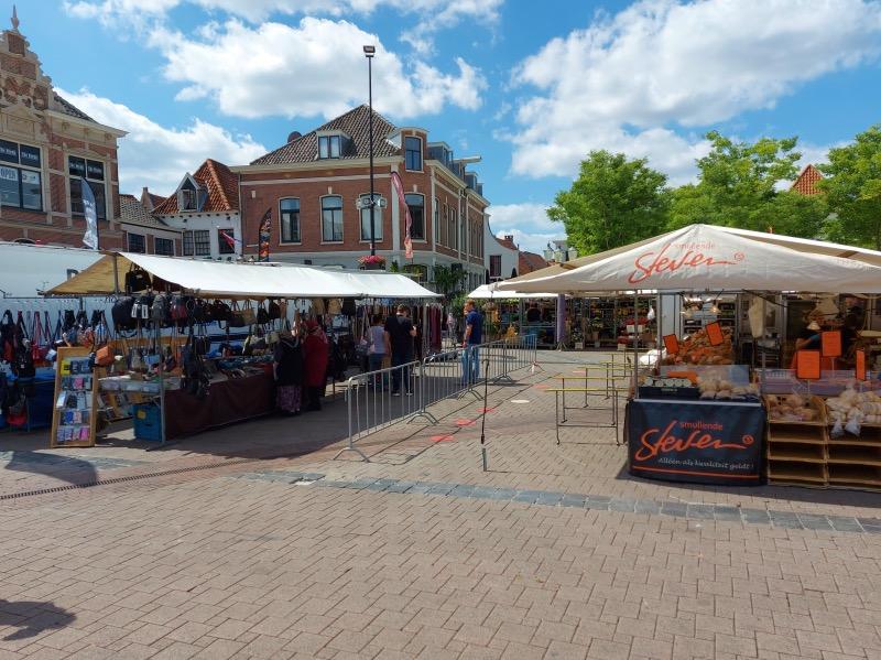 ホフ広場でのマーケット