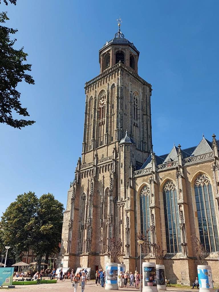 デフェンターの教会の塔